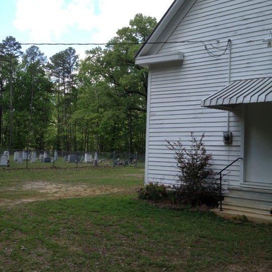 Foto tirada no(a) Liberty Universalist Church por Brandi C. em 3/31/2012
