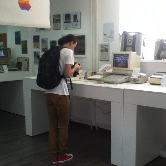 8/8/2012에 Vikki님이 Moscow Apple Museum에서 찍은 사진