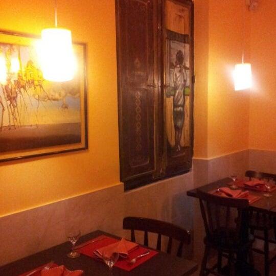 Foto diambil di Dalí Cocina oleh Chris N. pada 5/18/2012