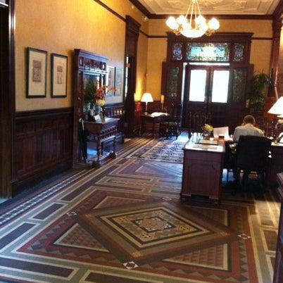 Foto diambil di Wentworth Mansion oleh Charming Inns of Charleston pada 7/18/2012