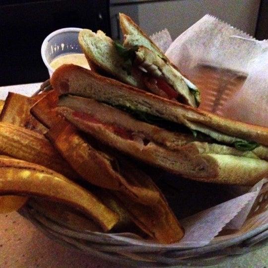 Foto tirada no(a) Cafecito por Mikey B. em 7/21/2012