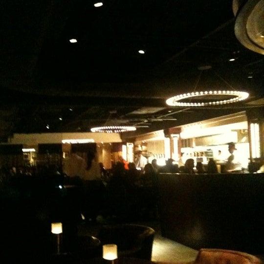 รูปภาพถ่ายที่ Ecco Midtown โดย Rob K. เมื่อ 3/6/2012