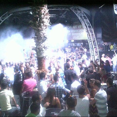 รูปภาพถ่ายที่ Club Inferno โดย Gürcan P. เมื่อ 8/21/2012