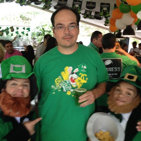 Снимок сделан в The Queen's Head пользователем Marco Q. 3/17/2012