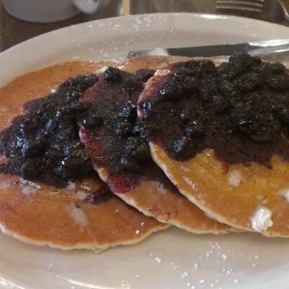 Photo prise au Breakfast Club par Adam S. le7/24/2012