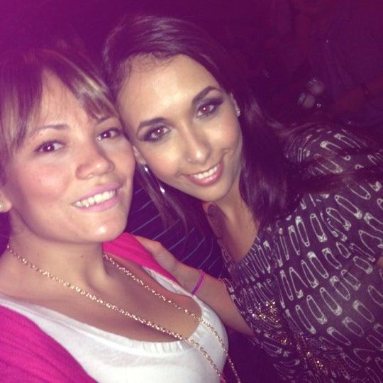 5/26/2012 tarihinde Mi C.ziyaretçi tarafından Kia Ora Pub'de çekilen fotoğraf