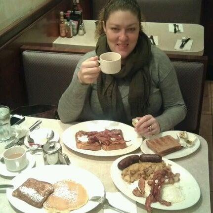 Photo prise au Morning Star Cafe par Edison T. le3/24/2012