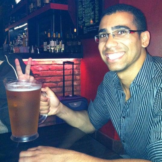 Foto scattata a The Pizza Pub da Tiffany L. il 5/23/2012