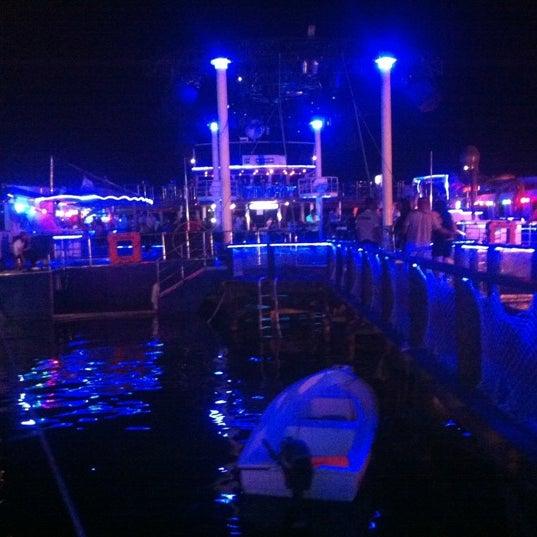6/10/2012 tarihinde HaLiL S.ziyaretçi tarafından Club Catamaran'de çekilen fotoğraf