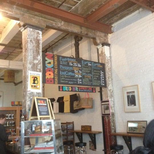 Das Foto wurde bei Brooklyn Roasting Company von Kinah-Mone S. am 4/23/2012 aufgenommen
