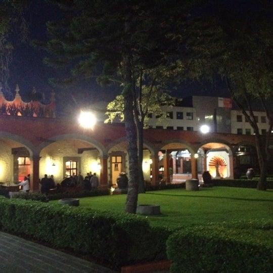 Снимок сделан в Hacienda de Los Morales пользователем Alex K. 8/30/2012