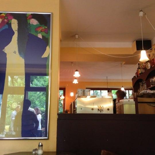 Fotos Bei Cafe Im Hinterhof Haidhausen Sud 18 Tipps Von