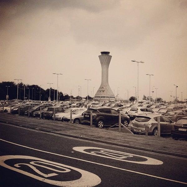 Das Foto wurde bei Edinburgh Airport (EDI) von Christer S. am 8/21/2012 aufgenommen