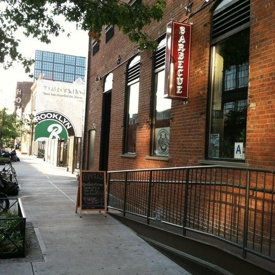 รูปภาพถ่ายที่ Mable's Smokehouse & Banquet Hall โดย Lea G. เมื่อ 8/16/2012