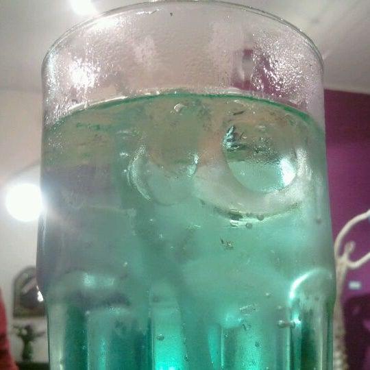 Nueva bebida de menta con lima. Está sabrosa y se llama Jaguar Verde.