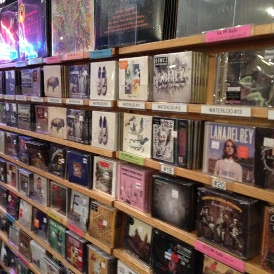 3/11/2012에 Jeff P.님이 Waterloo Records에서 찍은 사진