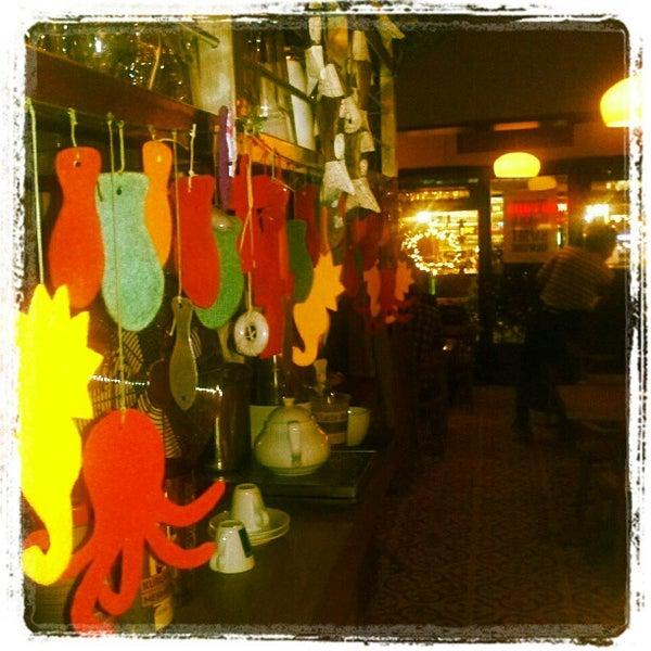Foto tomada en Sıdıka Meze Restoranı por Çağlayan T. el 5/26/2012