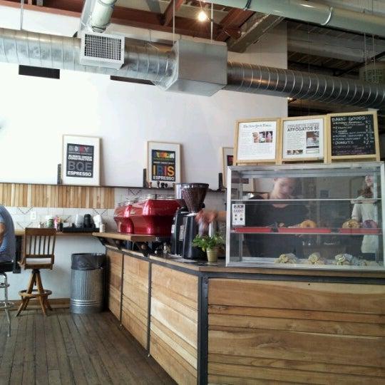 Das Foto wurde bei Brooklyn Roasting Company von Karl W. am 7/15/2012 aufgenommen