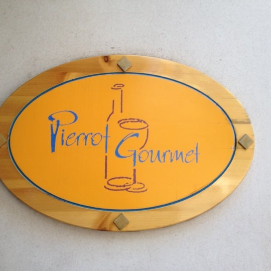 Photo taken at Pierrot Gourmet by Mary A H. on 6/30/2012