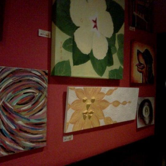 Foto diambil di Café Tu Tu Tango oleh Ocala W. pada 2/22/2012