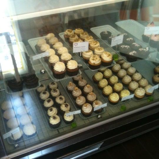 Снимок сделан в Urban Cookies Bakeshop пользователем Wade C. 2/17/2012
