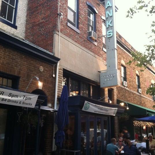 Foto scattata a Hank's Oyster Bar da Tim C. il 6/20/2012