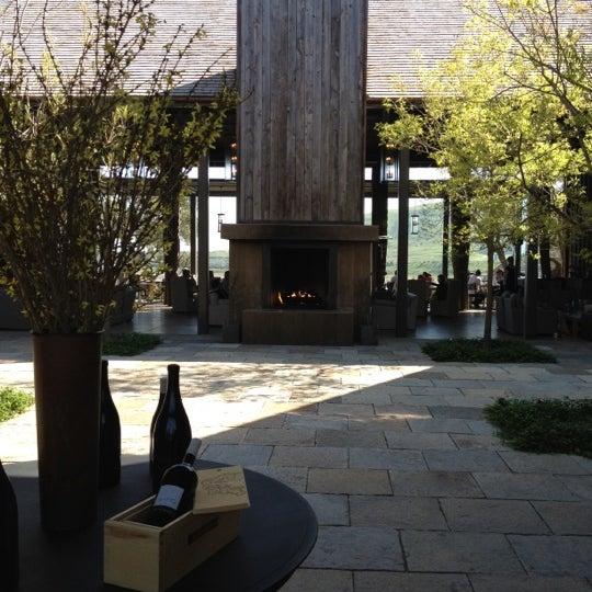 รูปภาพถ่ายที่ Ram's Gate Winery โดย Grant H. เมื่อ 4/15/2012