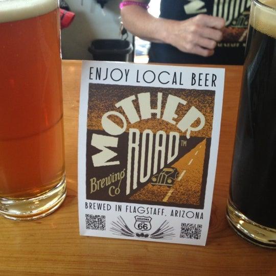 รูปภาพถ่ายที่ Mother Road Brewing Company โดย Louis W. เมื่อ 7/12/2012