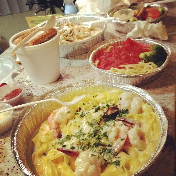 Das Foto wurde bei Mona Lisa Italian Restaurant von Andre L. am 5/28/2012 aufgenommen