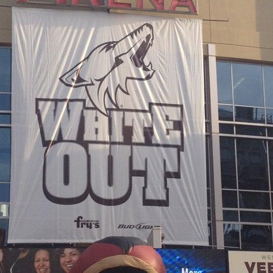 4/13/2012 tarihinde Joey R.ziyaretçi tarafından Gila River Arena'de çekilen fotoğraf