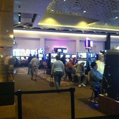 Photo prise au Eldorado Gaming Scioto Downs par Christal T. le8/11/2012