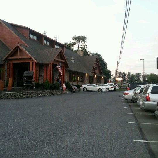 รูปภาพถ่ายที่ Desaki Japanese Restaurant โดย Sarah G. เมื่อ 8/12/2012