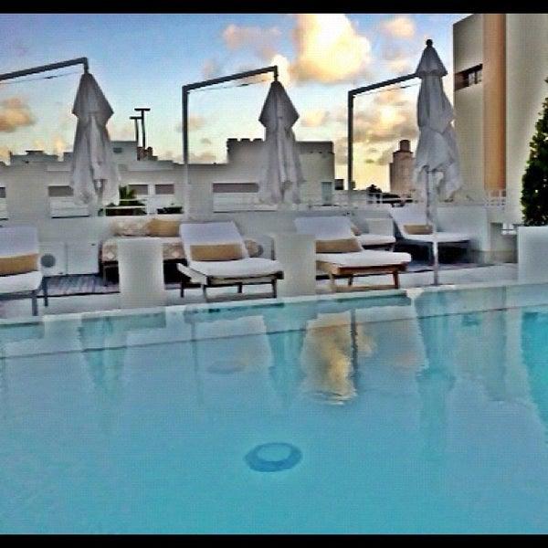 7/15/2012にTinu A.がDream South Beach Hotelで撮った写真