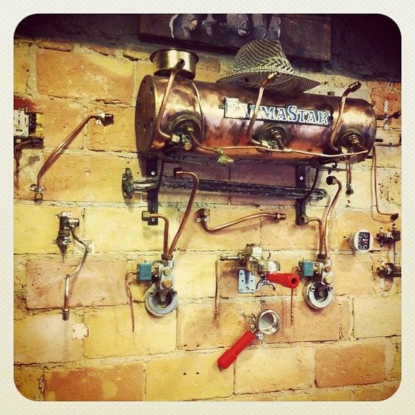 8/23/2012にSzalczer P.がTamp & Pull Espresso Barで撮った写真