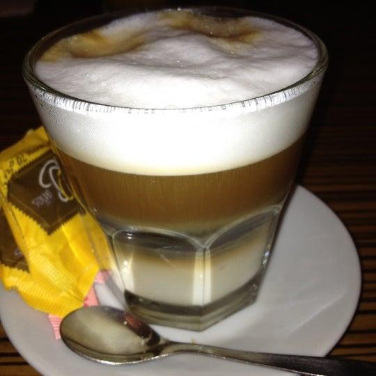 Foto tirada no(a) Mark's Deli & Coffee House por Santiago S. em 7/2/2012