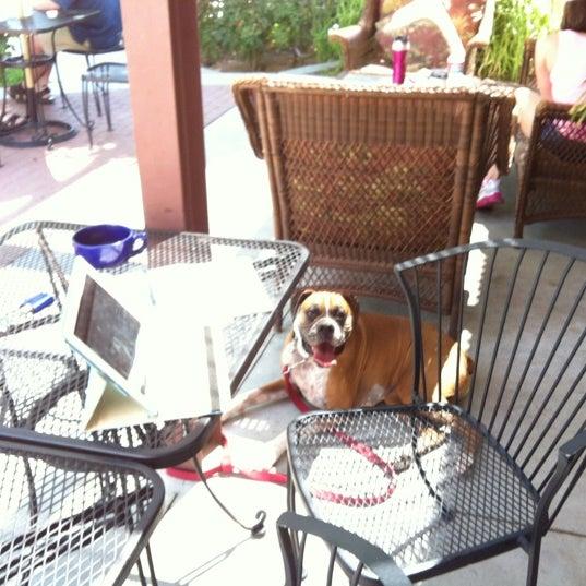 Das Foto wurde bei The Coffee Shop at Agritopia von Angela J. am 6/18/2012 aufgenommen