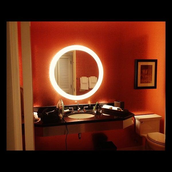 4/10/2012 tarihinde Anjo A.ziyaretçi tarafından MileNorth, A Chicago Hotel'de çekilen fotoğraf