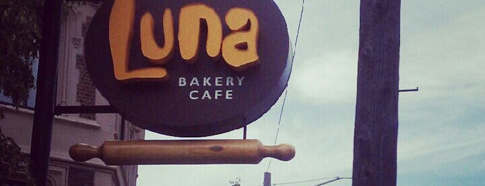 Luna Bakery Café is one of Lieux qui ont plu à N.