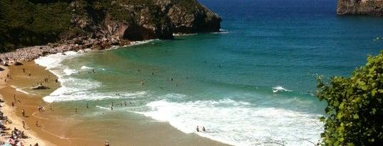 Playa de Andrín is one of Miriam'ın Beğendiği Mekanlar.