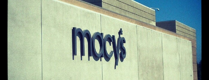 Macy's is one of Orte, die Geoff gefallen.