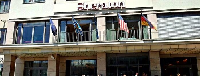 Sheraton Carlton Hotel Nürnberg is one of Orte, die Robert gefallen.
