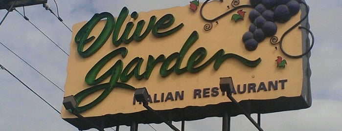 Olive Garden is one of Salem, OR.