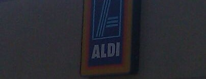 Aldi is one of Locais curtidos por Ashley.