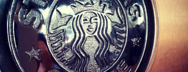 Starbucks is one of Lugares favoritos de Kawika.