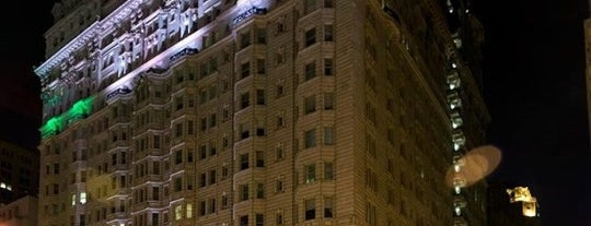 Hyatt Regency - Presidential Suite is one of Gespeicherte Orte von Beba.