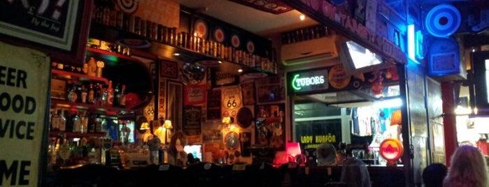 Target Food and Bar is one of Tempat yang Disimpan petek.