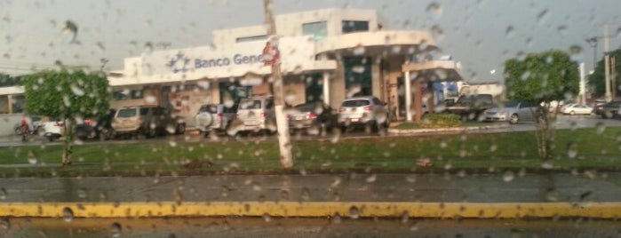 Banco General is one of Locais curtidos por Kevin.