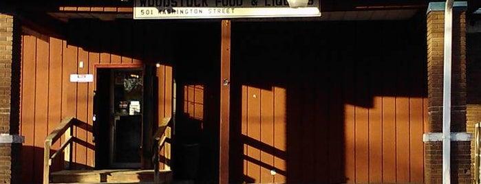 Woodstock Food & Liquor is one of Ann'ın Beğendiği Mekanlar.