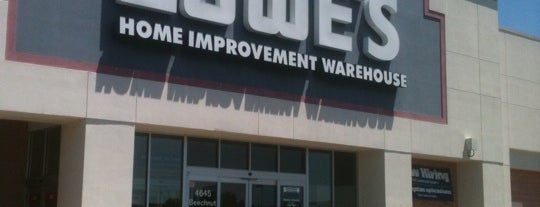 Lowe's is one of Lugares favoritos de Gregory.