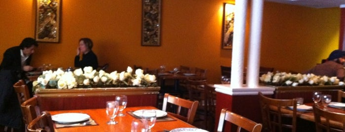 Sawasdee Thai Restaurant is one of Lugares favoritos de Itzel.